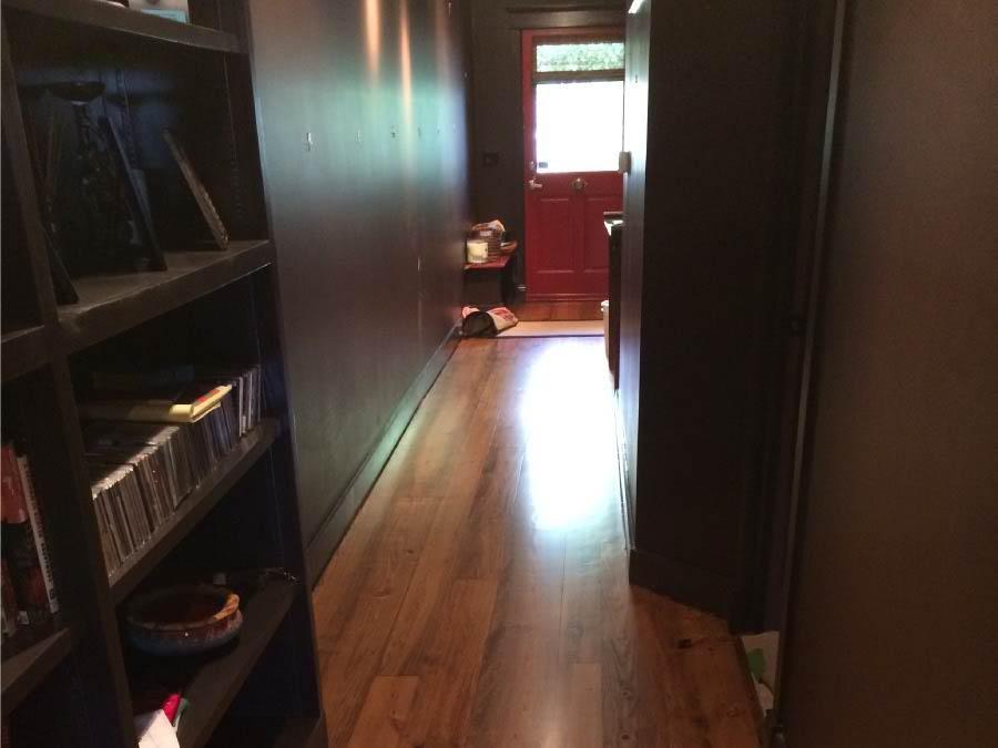 heart-pine-wood-flooring-in-entry-way